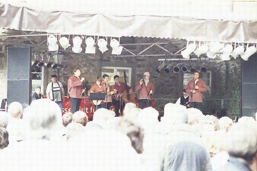 Die Truppe aus Etaples-Sur-Mer auf der Schlossbühne